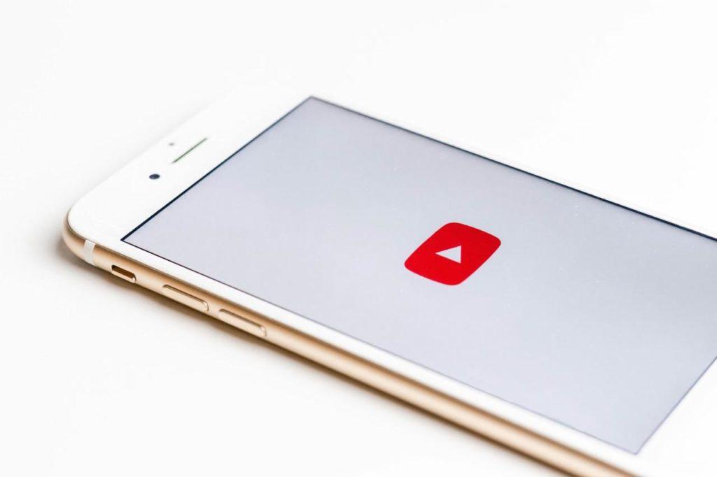 いくら 登録者1000人 収益 YouTube登録者数1000人で月収(月間収益)いくら位になるか調べてみた
